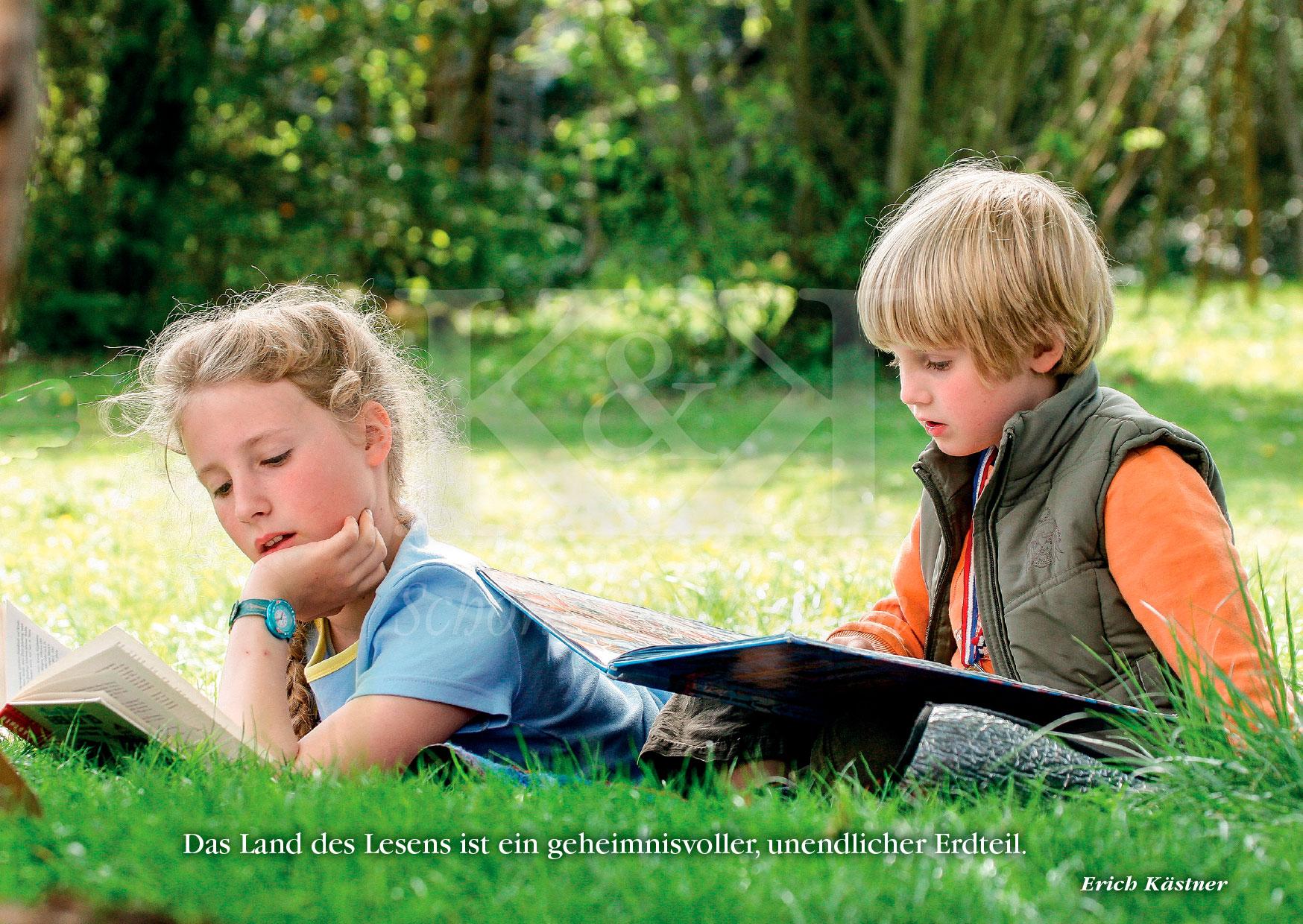 >>> NEU: Schöne Postkarte Nr. 106 · Im Land des Lesens versunken